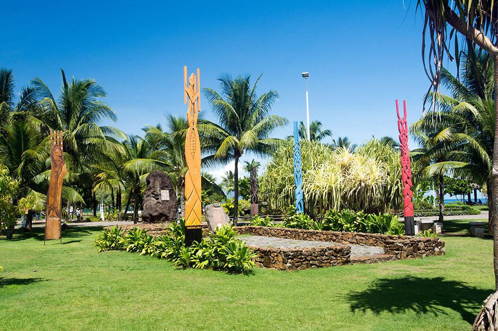 Monument Hokule'a dans les jardins de Paofai, Papeete, en 2016