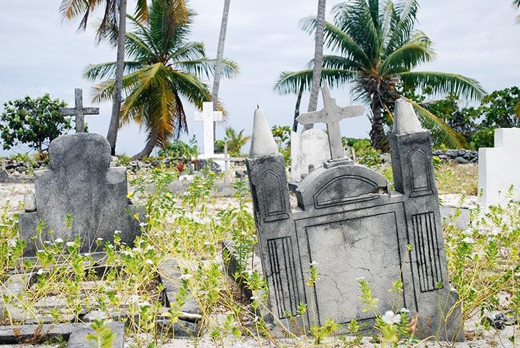 Cimetière de Raroia © Tahiti Heritage