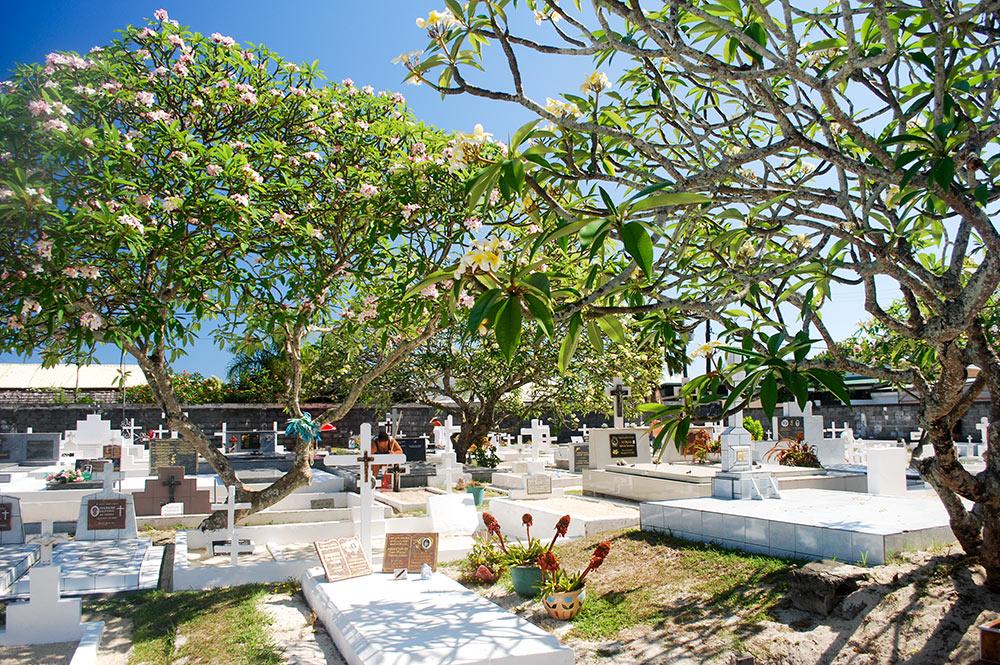 Cimetière de Arue, Tahiti. © Tahiti Heritage