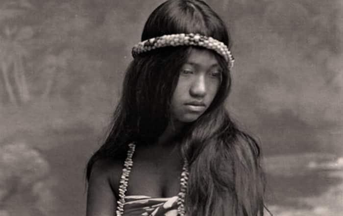 Vahine rêveuse. Tahiti 1915. Photo Lucien Gauthier